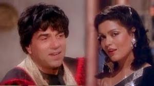 Superman Superman - Classic Hindi Dance Song - Teesri Aankh - Dharmendra, Zeenat Aman (Old is Gold)