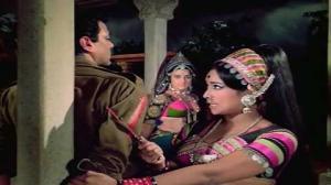 Maar Diya Jaye Ya Chod Diya Jaye - Mera Gaon Mera Desh Song - Vinod Khanna - Lata