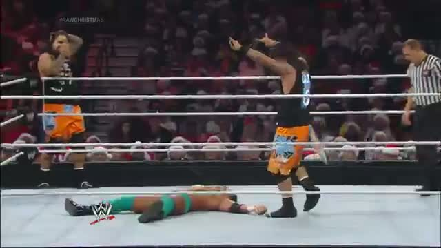 The Usos vs. The Prime Time Players: WWE Raw, Dec. 23, 2013