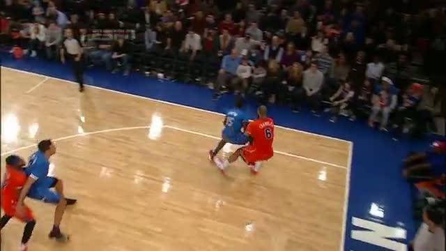 Reggie Jackson Posterizes Amar'e Stoudemire - Top NBA Christmas Play #3
