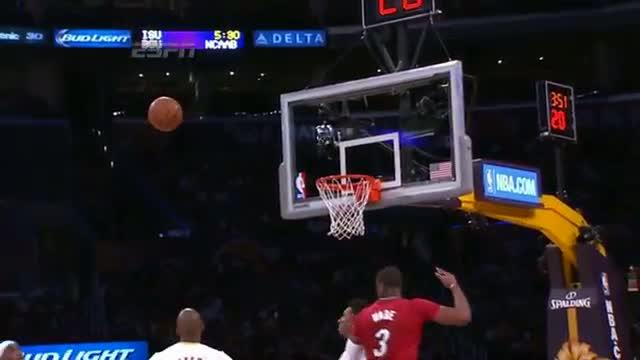 LeBron James' AMAZING One-Handed Oop Finish - Top NBA Christmas Play #1