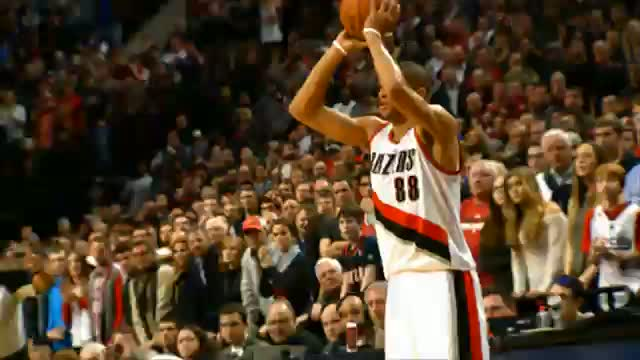 NBA: Nicolas Batum Comes Through in the Clutch to Force OT!