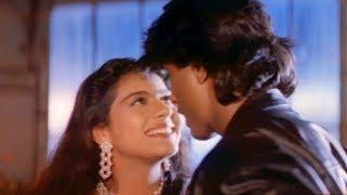 Love Me Love Me - Superhit Hindi Romantic Song - Kajol, Vikas Bhalla - Taaqat