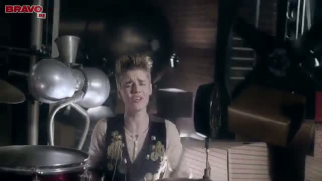 Justin Bieber - Santa Claus Is Comin' To Town (Official Music Video) - Best of Justin Bieber Song