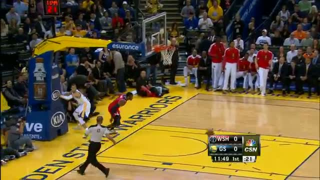 NBA: John Wall Recovers for the HUGE Chasedown Swat on Curry