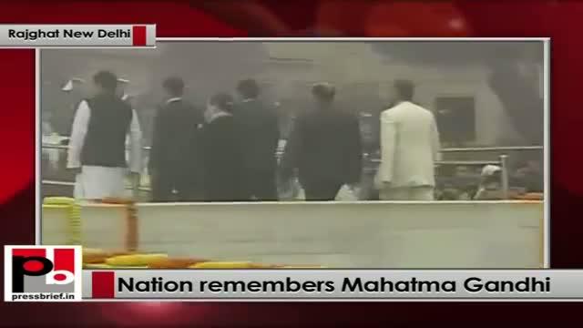 Sonia Gandhi pays homage to Mahatma Gandhi on 66th death anniversary