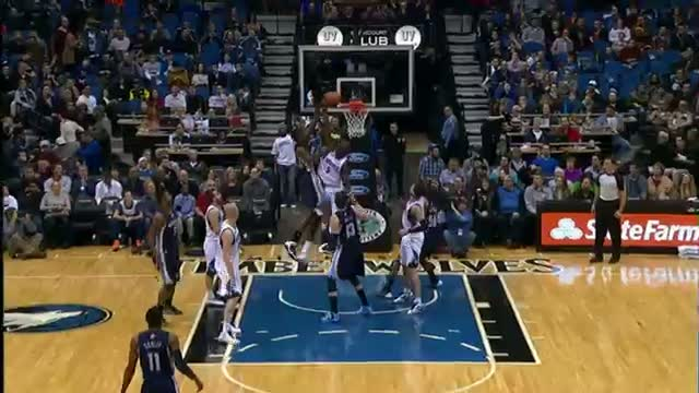 NBA: Gorgui Dieng With the Swat on Ed Davis