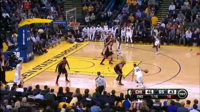 NBA: Stephen Curry and the Warriors Take the Bulls by the Horns