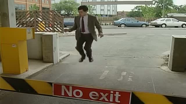 Mr Bean - Trapped in a Car Park