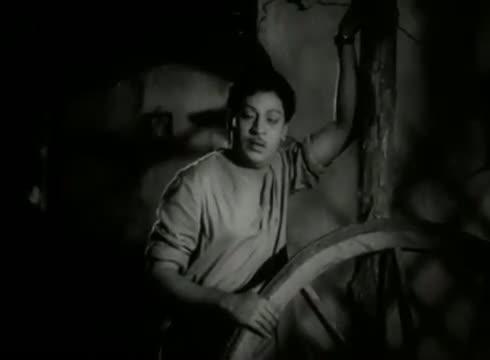 Nil Ange Ennaun Idhayam - S.S Rajendran, Vijayakumari, Sowcar Janaki - Kumudham - Tamil Classic Song