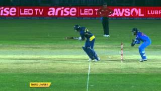 Dinesh Karthik missing on a golden stumping opportunity (Asia Cup 2014 - 4th ODI, Ind vs SL)