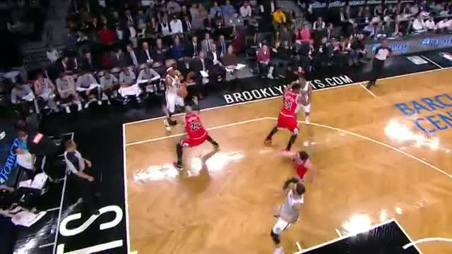 NBA: Deron Williams' SICK Reverse Layup
