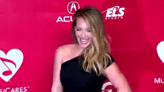 Aaron Carter Wants to Rekindle Romance With Hilary Duff