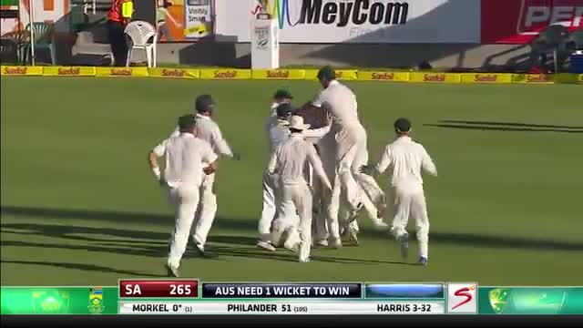 Ryan Harris ripped off 4 wickets and celebrates victory (South Africa vs Australia - 3rd Test)