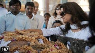 Bobby Chawla's Funeral Video - Shahrukh Khan, Deepika Padukone & Juhi Chawla