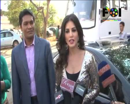 Baby Doll Sunny Leone Helps CID Video