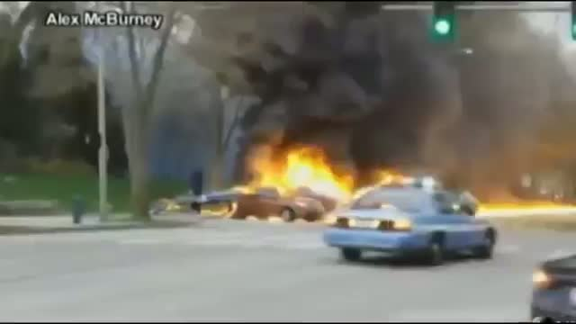 KOMO-TV / KING5 News Helicopter Crashes into Cars Beside Space Needle in Seattle, Killing Two - News Video