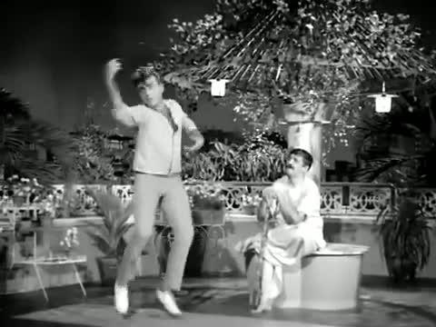 Meri Patni Mujhe Satati Hai - Superhit Classic Funny Hindi Song - Mehmood, Om Prakash - Pati Patni (Old is Gold)