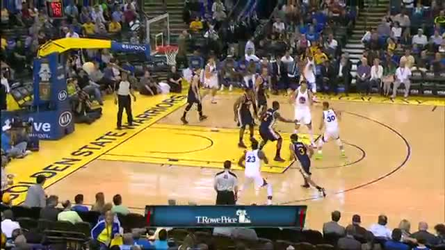 NBA: Stephen Curry Scores 31, Dishes 16 in Under 30 Minutes (Basketball Video)