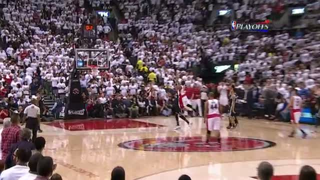 NBA: Kyle Lowry Banks Home the Floating Buzzer-Beater (Basketball Video)