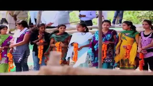 People give rousing welcome to Priyanka Gandhi