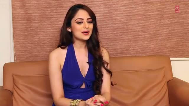 Exclusive: Zoya Afroz Interview - The Xpose (2014)