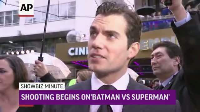 ShowBiz Minute: Idol, Batman, Star Wars