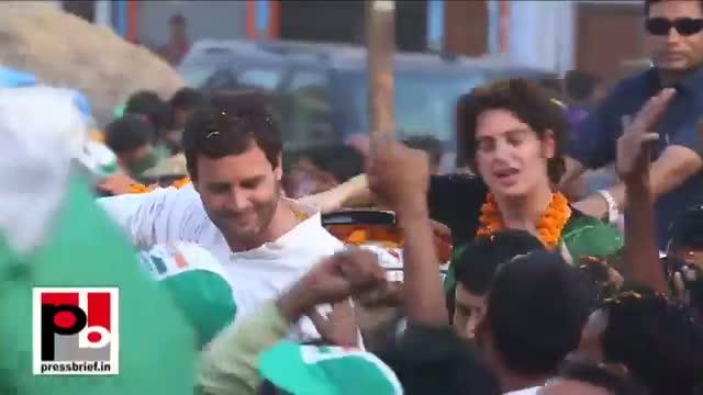 Rahul Gandhi, Priyanka Gandhi visit Amethi, Uttar Pradesh to hold a road show