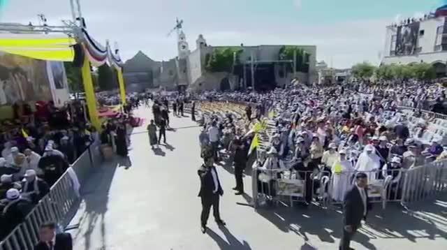 Pope Lands in Bethlehem, Holds Sunday Mass