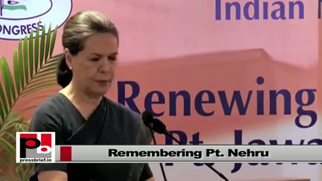 "Sonia Gandhi speaking at a seminar ""Renewing India's Commitment to Jawaharlal Nehru's Vision"""