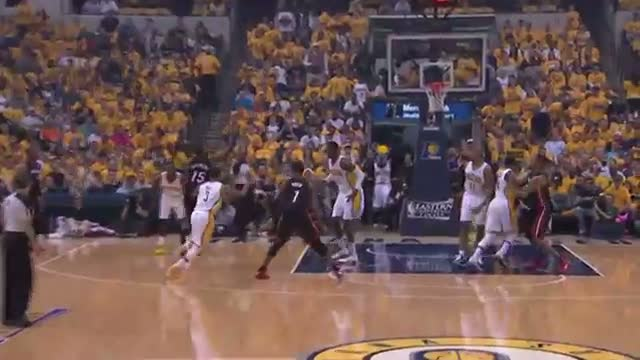 NBA: LeBron Jams Down the Feed from Mario Chalmers (Basketball Video)