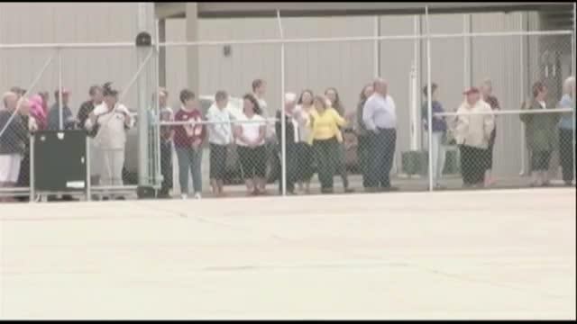 South Dakota Pilot, 19, Aims for World Record