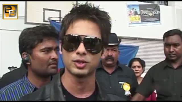Sonakshi Sinha CAUGHT RED HANDED with Shahid Kapoor