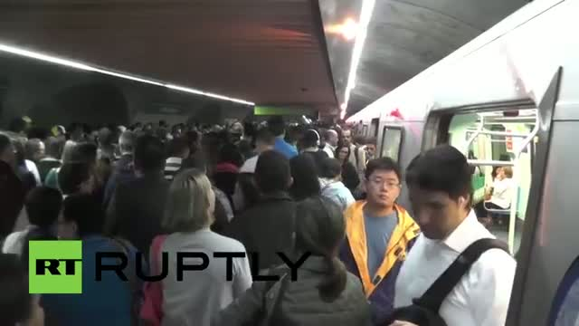 Brazil: Queues clog Sao Paulo metro on eve of World Cup