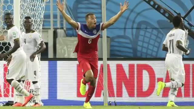 US Tops Ghana 2-1 in World Cup Soccer