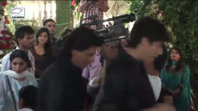 Shahrukh Khan Get's Nostalgic Misses Aryans Childhood