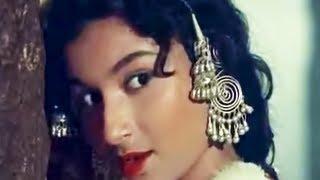 Isharon Isharon Mein - Kashmir Ki Kali - Sharmila Tagore & Shammi Kapoor - Hit Hindi Song