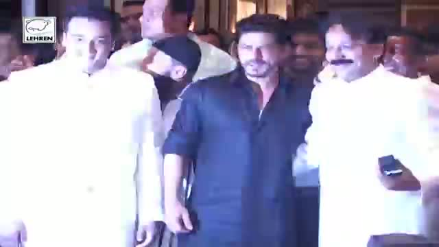 SALMAN and SHAHRUKH HUG AGAIN - History Repeats At The Iftaar Party