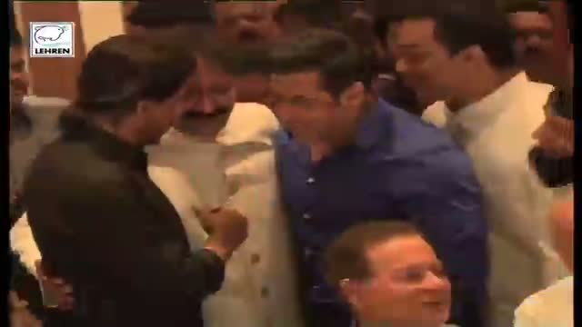 Salman and Shahrukh HUG As It Happened - FULL EVENT