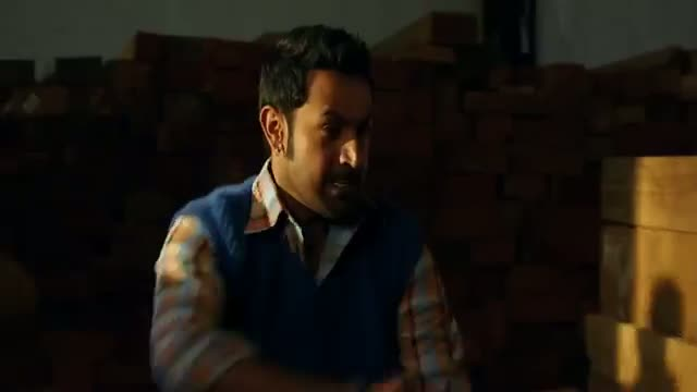 Gippy Grewal Fight Scene - Jatt James Bond | Movie Scenes