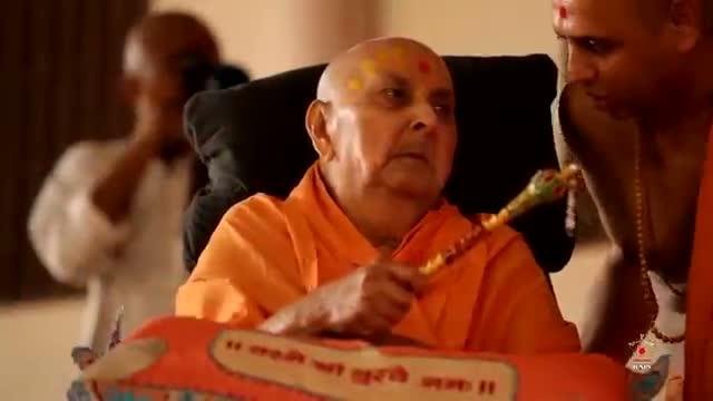 Guru Purnima, Morning Darshan - Guruhari Darshan 12 Jul 2014, Sarangpur, India