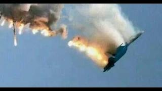 Malaysian Airline Plane MH17 Shot down Mid-Air by Missile in near Ukraine-Russian Border Video