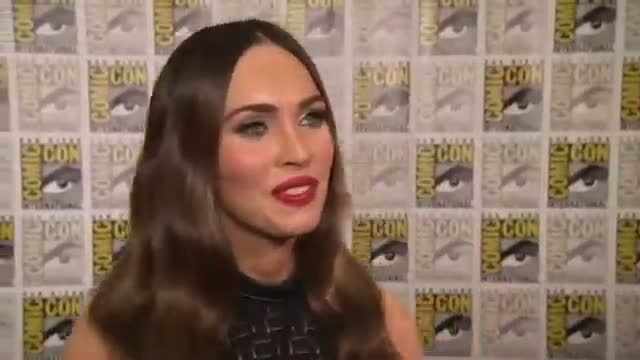 Fox Dons 'Bondage Strap' Skirt at Comic-Con