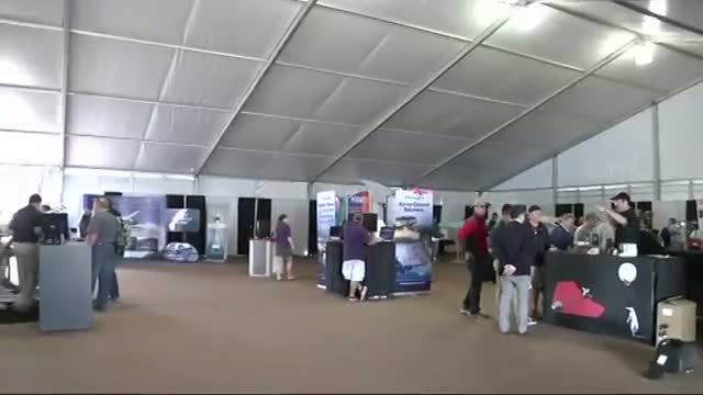 Smartphone Powered Paper Plane Debuts at Airshow