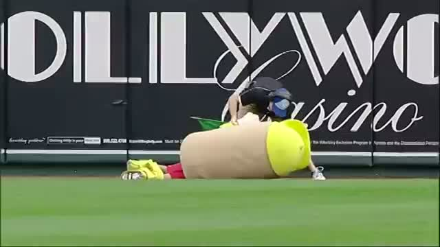 Kid Can't Cut Mustard at Hot Dog Derby