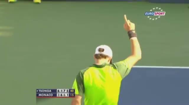 Fantastic tweener of Juan Monaco - Tsonga vs Monaco - US Open 2014