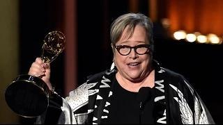 Kathy Bates Meant to Dedicate Emmy to Robin Williams