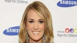 Carrie Underwood - Pregnant