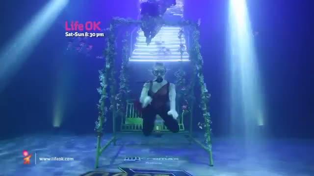 Sanam impresses Akshay Kumar with his flawless underwater act! - Dare 2 Dance
