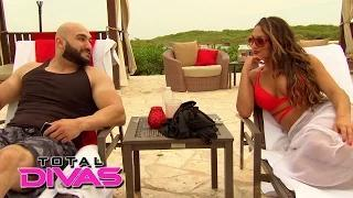 Nikki Bella gives Vinnie relationship advice: WWE Total Divas, Oct. 12, 2014